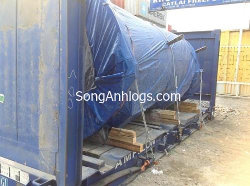 Bồn nước được giằng bằng dây thép vào container flat rack