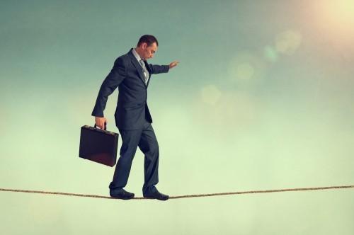 Rủi ro hợp đồng thương mại quốc tế