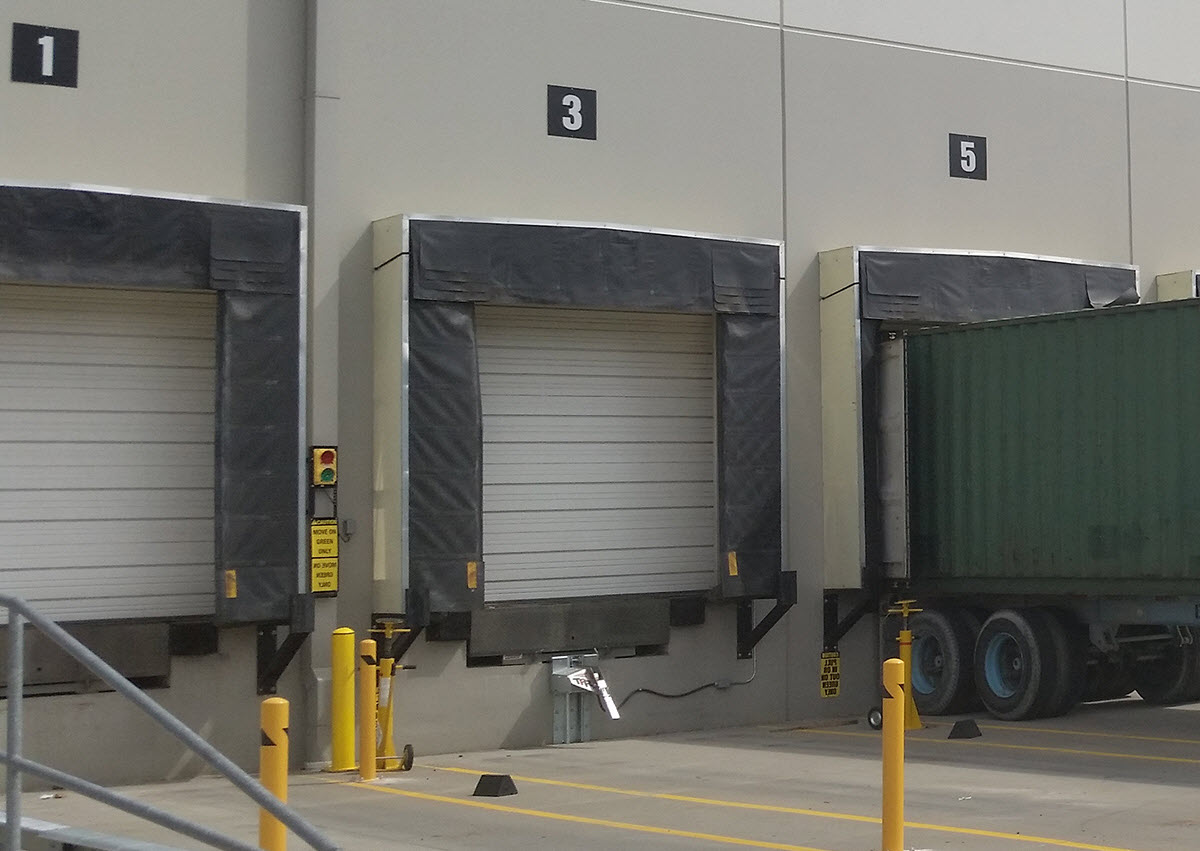 Cửa Loading Dock